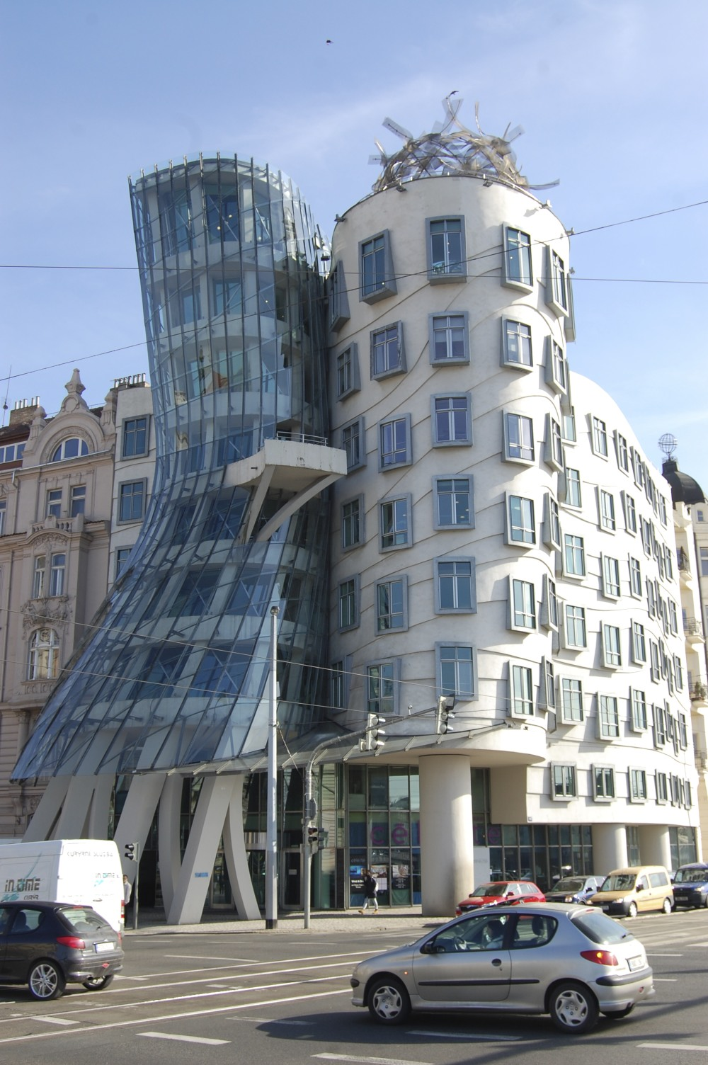 Dancing House, Frank Gehry,